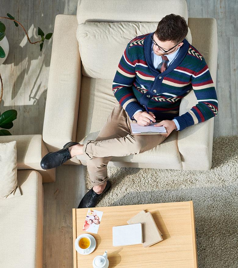 modern-psychiatrist-in-office